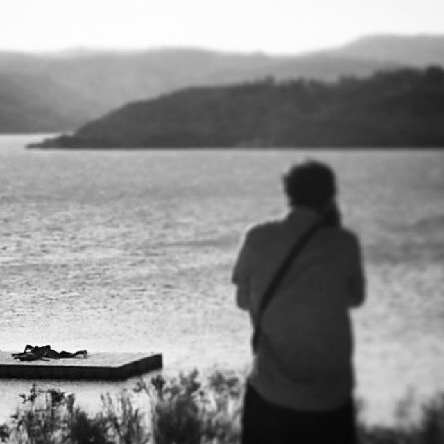 Instagramas: I spyPhoto by @miwakos #photographer #fotógrafo #deck #muelle #sgs3 #dam #embalse #negratin #zujar #bathers #swimmers #bañistas #inkwell
