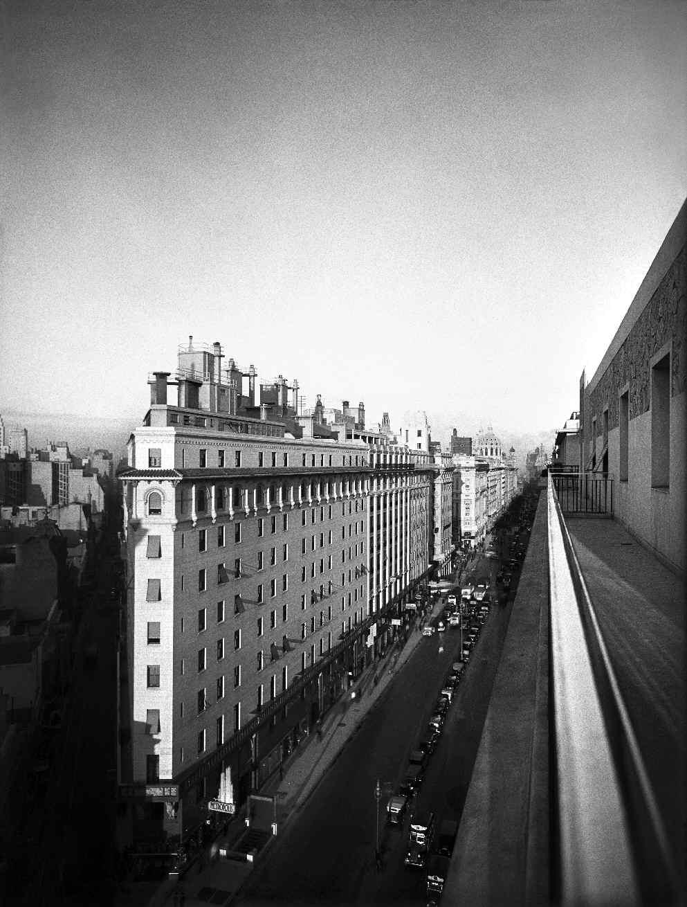 © Horacio Coppola - 'Avenida Presidente Roque Sáenz Peña' 1936
