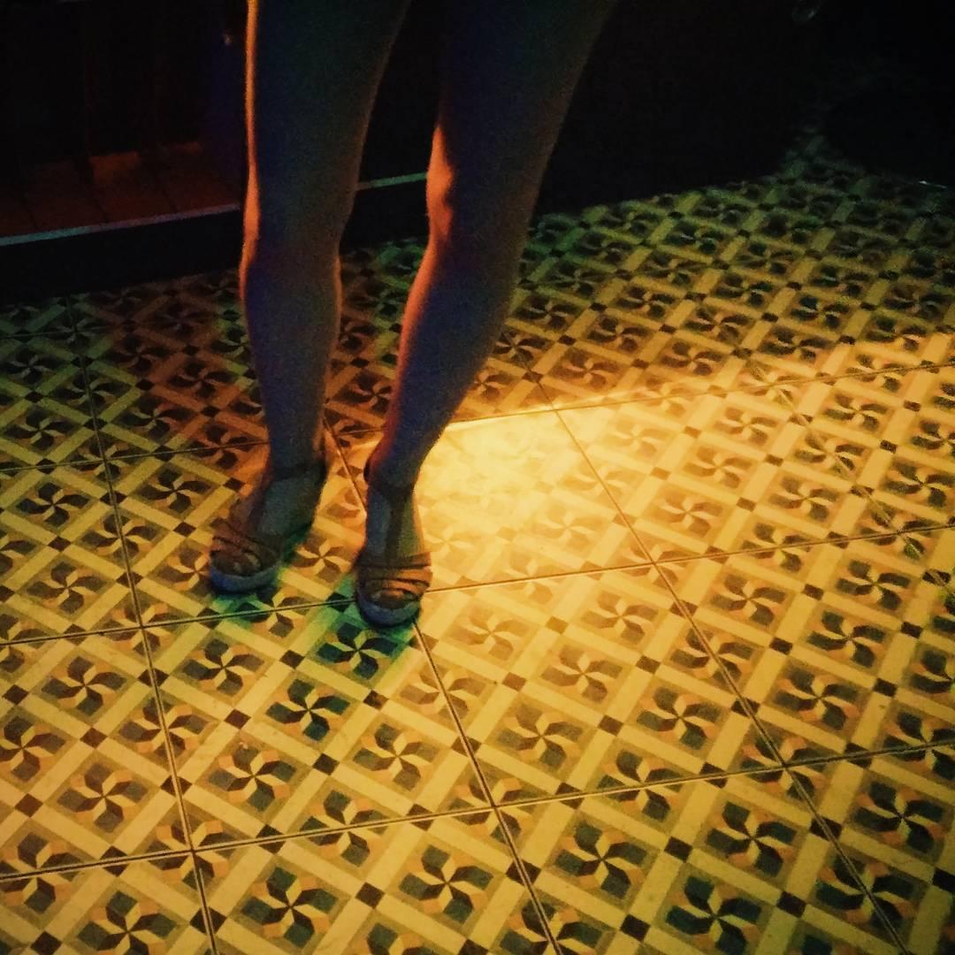 Instagramas: Long legged girl and patterns