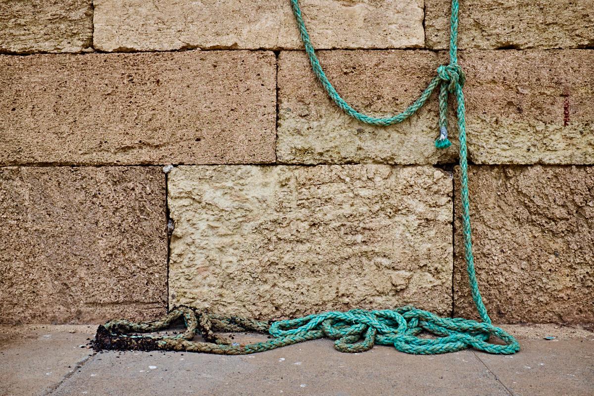 Foto 14 del puerto de Almería: Y (muro y cuerda)