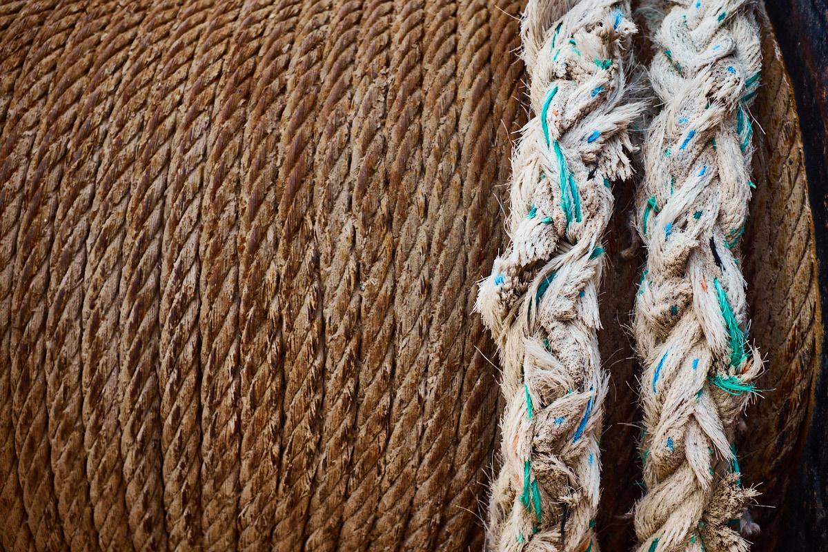 Foto 15 del puerto de Almería: Dos (cuerdas, cabos)