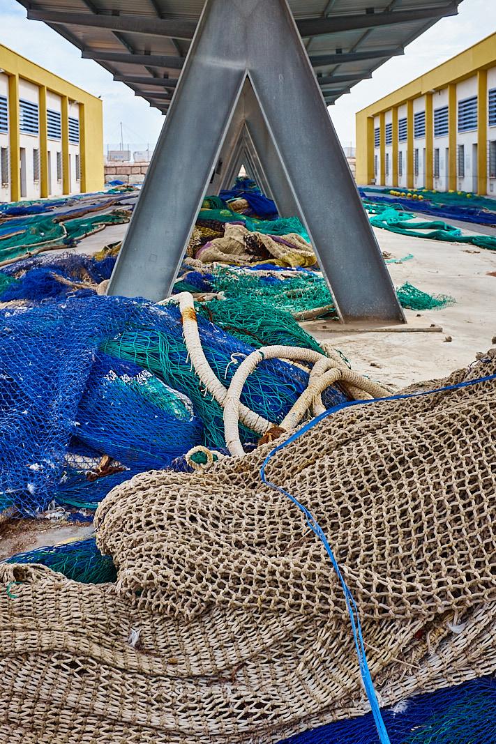 Foto 16 del puerto de Almería: Redes azules